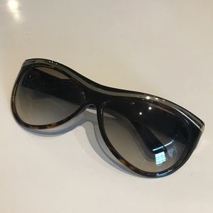 Tortoise Shell and Gold Gucci Sunglasses